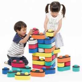 気候や年齢に合わせて選べる木製、室内、知育・学習用が選べる【おもちゃ】